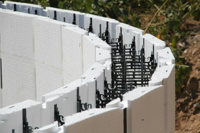 Self-supporting formwork panel for slab H2wall Pool by Sicilferro