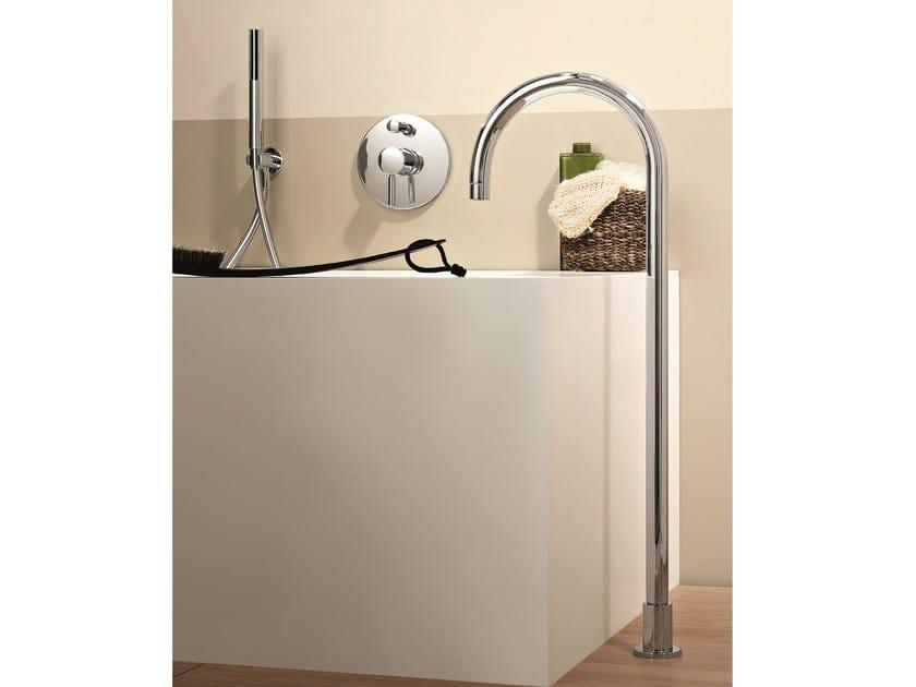 Floor standing bathtub mixer with hand shower NOSTROMO | Floor standing bathtub mixer by Fantini Rubinetti