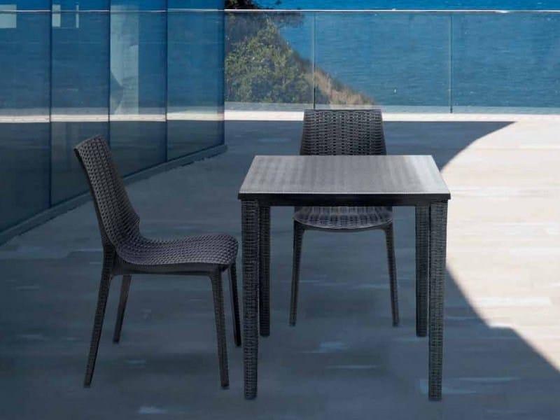 Design In Scab Giardino Impilabile Da OrazioTavolo Quadrato Plastica 9eIE2WDHY