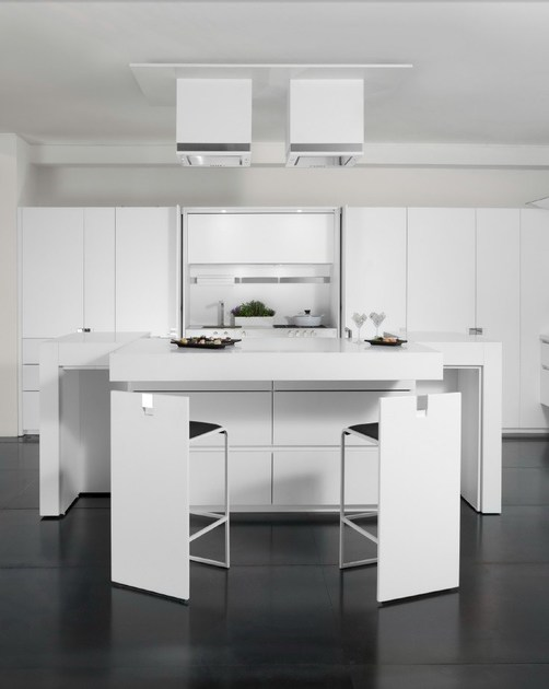 Lacquered Corian® kitchen with island ESSENTIAL QUADRA By TONCELLI ...