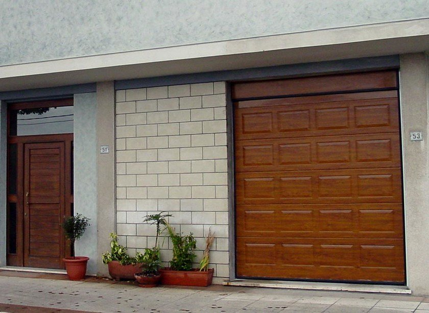 Sectional garage door ITALDOOR APZ CASSETTATO by ITALPANNELLI