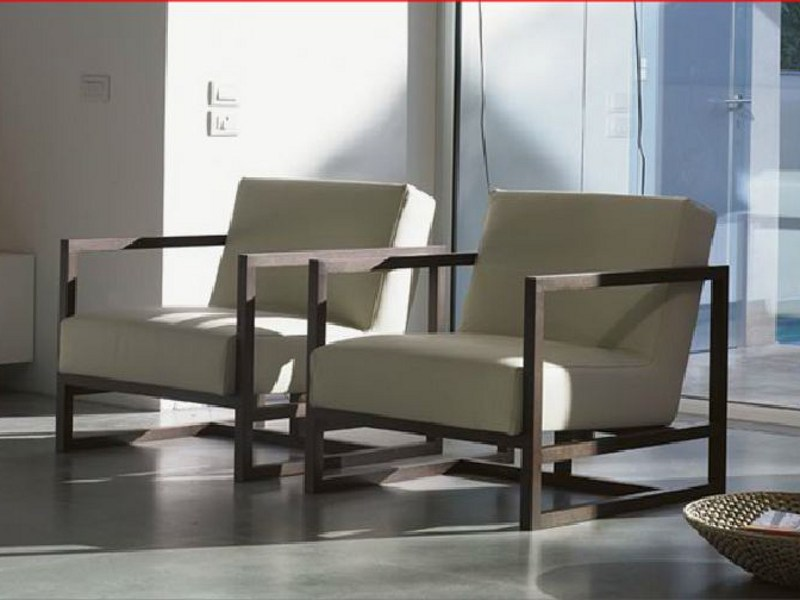 Armchair with removable cover with armrests STATUS by Linfa Design