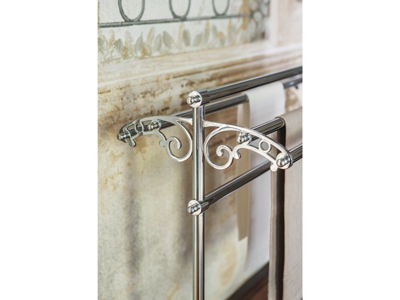 Standing stainless steel towel rack BRUNEL | freestanding towel rail by GENTRY HOME