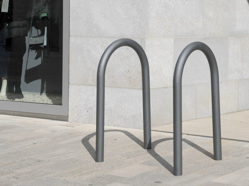 Metal Bicycle rack BIKE STAND C100 By BENKERT BANKE