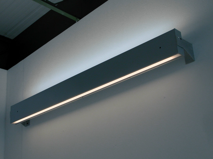 Direct-indirect light fluorescent wall lamp SISTEMA R5 | Fluorescent wall lamp by Martinelli Luce