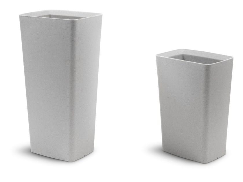 Polyethylene vase TERRA-V by DOMITALIA