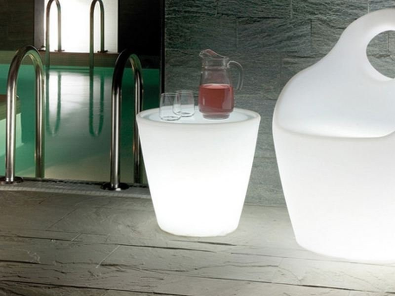 Round plastic coffee table with light OMNIA-V LIGHT by DOMITALIA