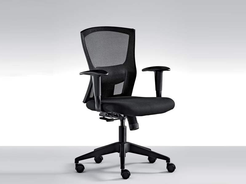 Height-adjustable task chair with armrests with casters SPOT | Task chair with casters by MASCAGNI
