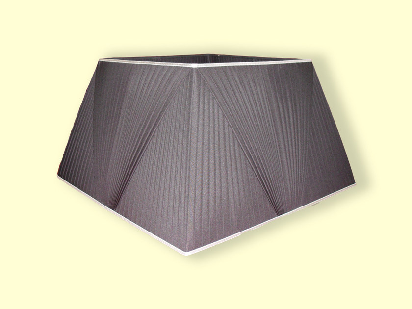 Pyramid shaped fabric lampshade CLASSIC | Pyramid shaped lampshade by Ipsilon PARALUMI