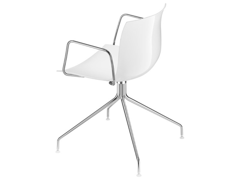 Swivel trestle-based chair with armrests CATIFA 53 | Chair with armrests by arper