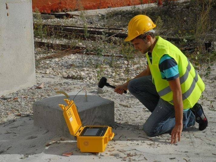 Geotechnical instrumentation P.I.T. PILE INTEGRITY TEST by Mae