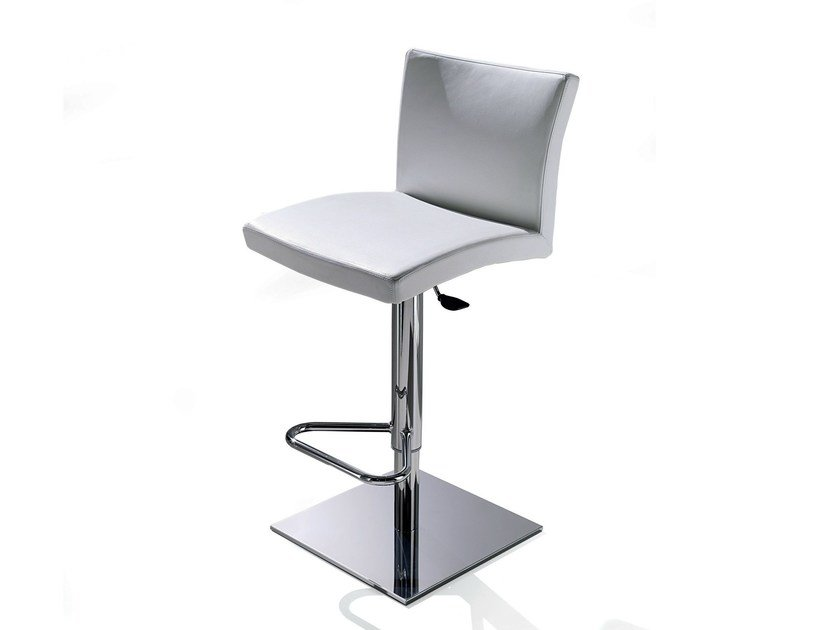 Upholstered leather chair SOFT by Ozzio Italia
