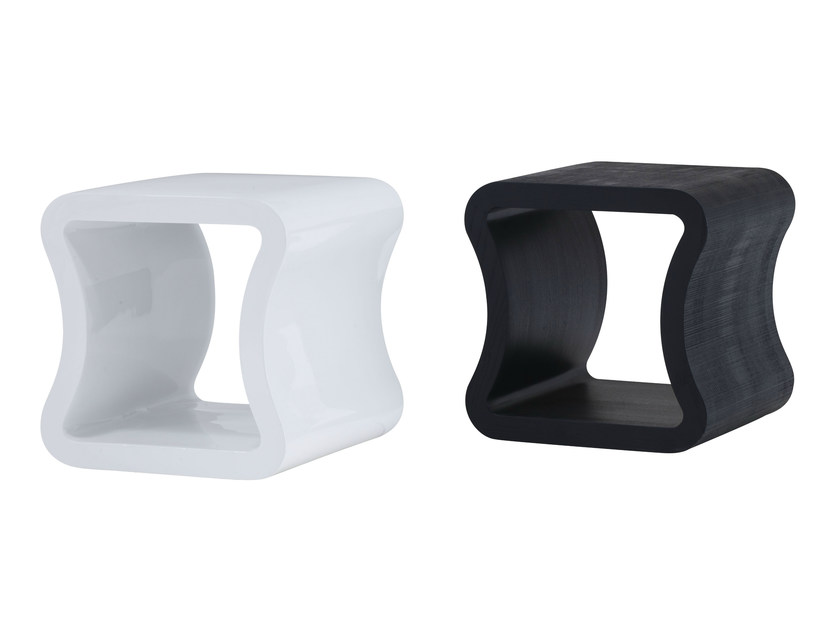 Low square coffee table ONE SHAPE by Ligne Roset
