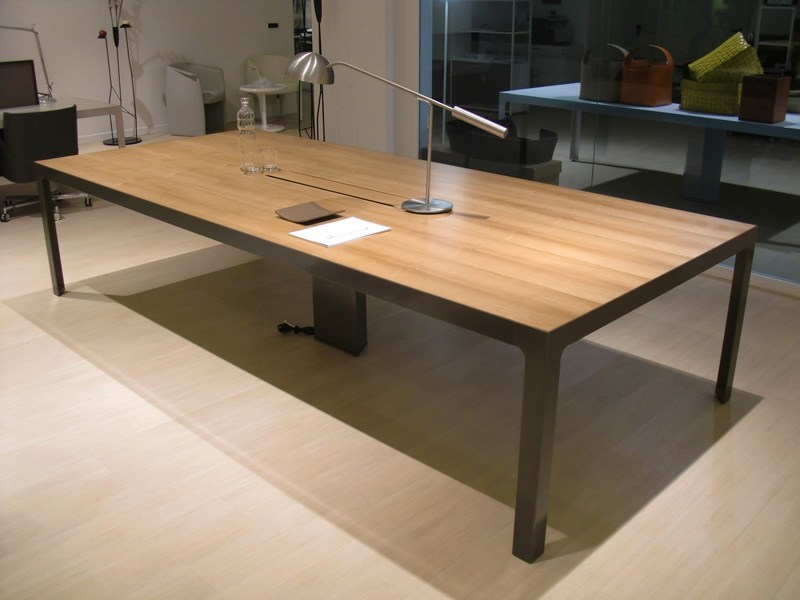 Rectangular meeting table MORE | Rectangular meeting table by ESTEL GROUP