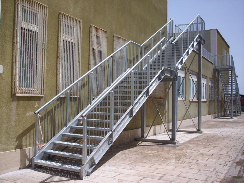Metal fire escape staircase SIMPLE by SO.C.E.T.