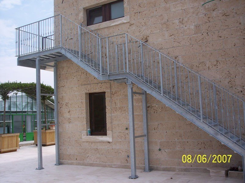 Metal fire escape staircase PRATIC by SO.C.E.T.