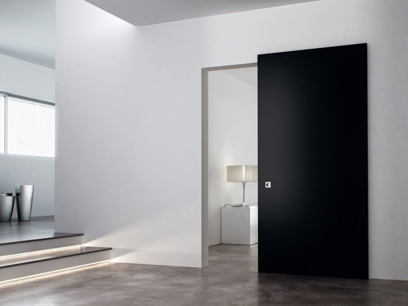 Lacquered sliding door LINEAR by Ghizzi & Benatti
