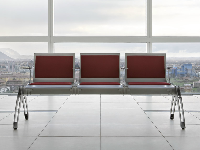 Steel beam seating with armrests TERMINAL | Beam seating with armrests by ALMA DESIGN