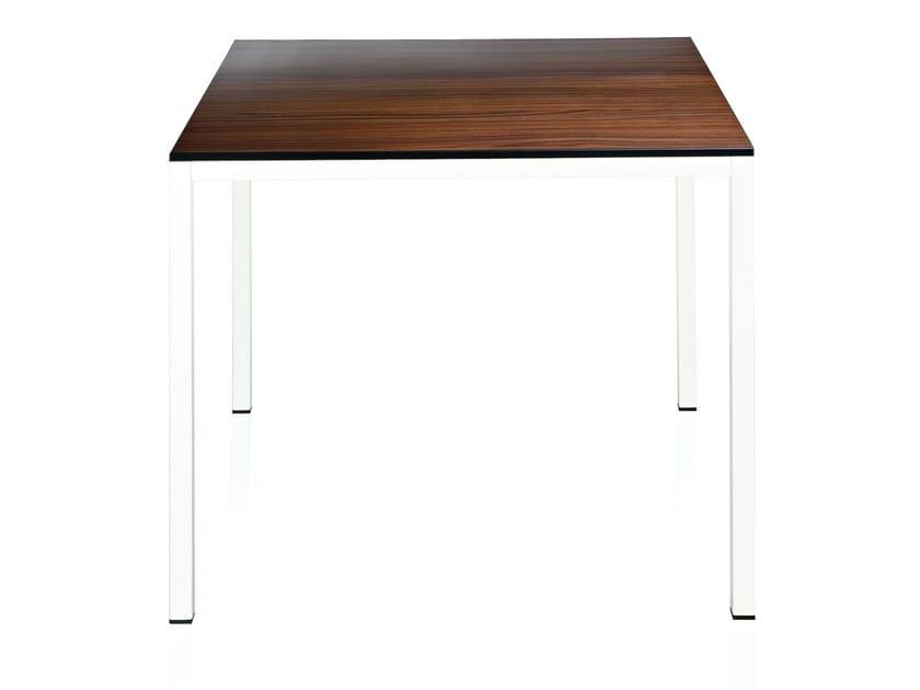 Tavolo quadrato in laminato