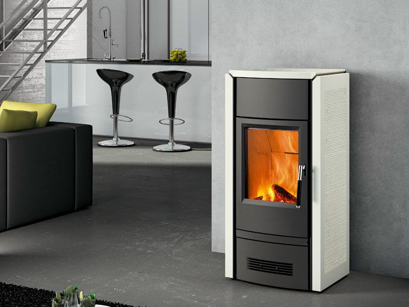 Wood-burning stove E927 D BURN CONTROL SYSTEM by Piazzetta