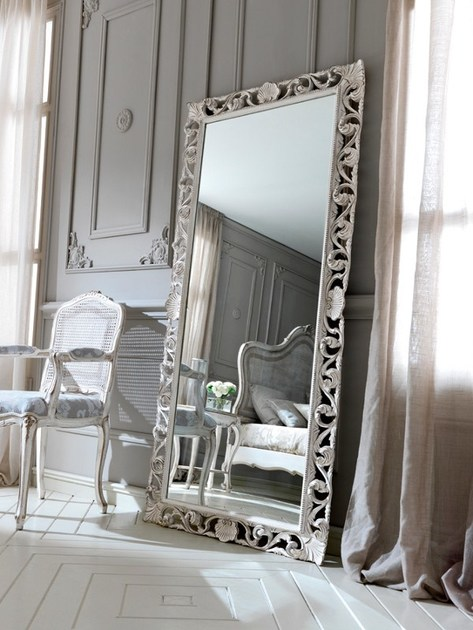 Freestanding framed mirror 3437 | Mirror by Grifoni Silvano