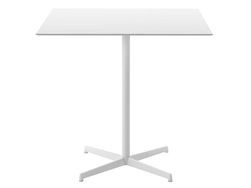 Square garden table with 4-star base KOBE | Square table by Desalto