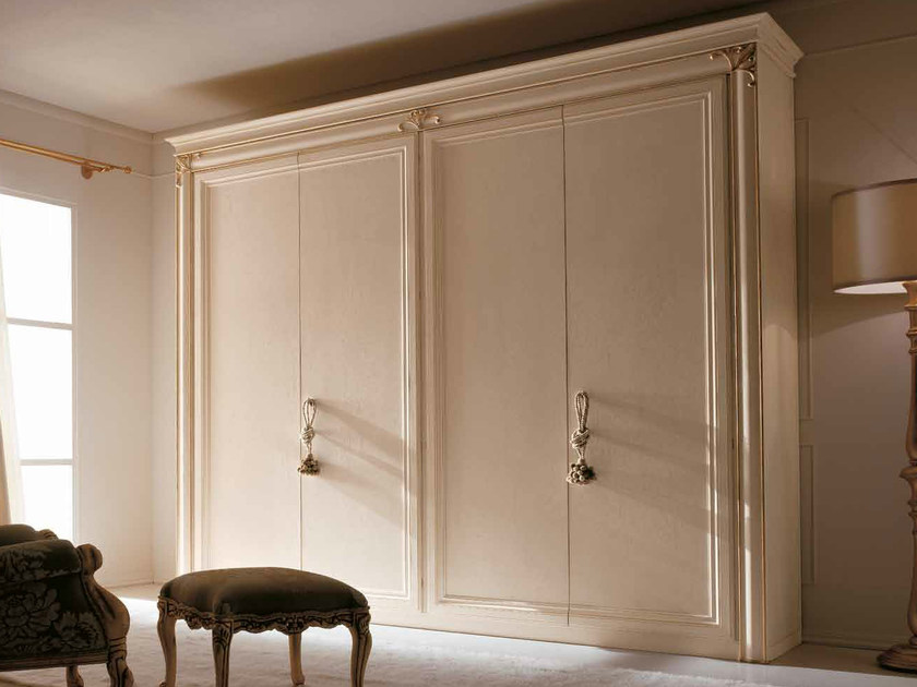 Classic style wardrobe with sliding doors CLARA by CorteZari