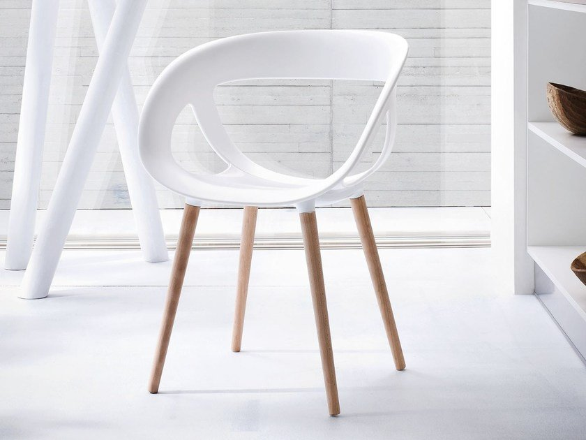 Technopolymer chair with armrests MOEMA 76 BL by GABER