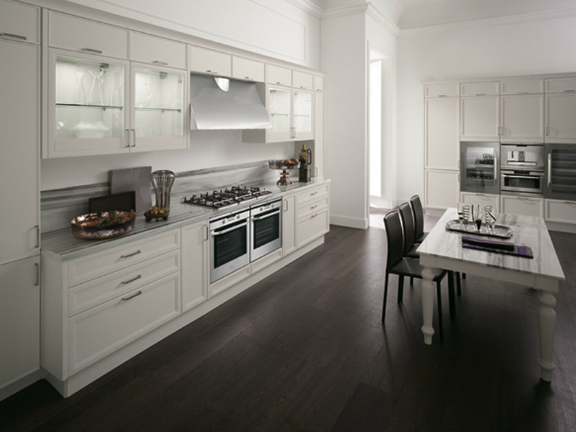 Lacquered linear kitchen with handles AVENUE | Linear kitchen by Aster Cucine S.p.A.