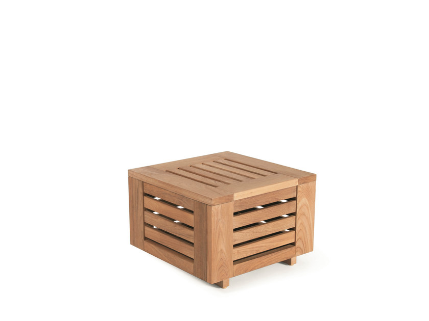 Low Square garden side table FALSTERBO | Garden side table by Skargaarden