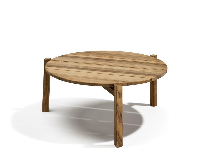 Low Round garden side table DJURÖ | Low garden side table by Skargaarden