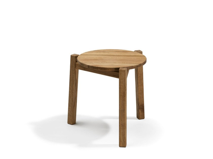 Low Round garden side table DJURÖ | Outdoor side Table by Skargaarden