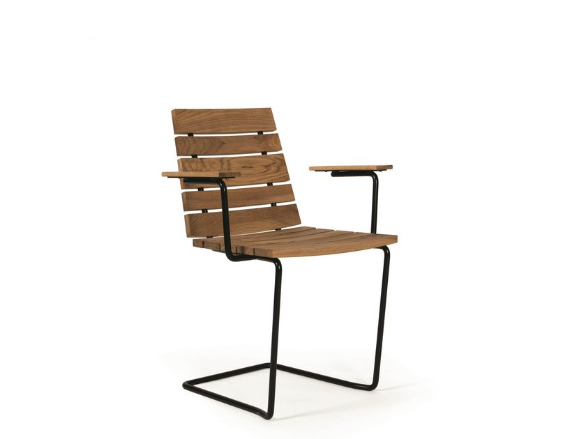 Cantilever teak garden chair GRINDA | Garden chair with armrests by Skargaarden