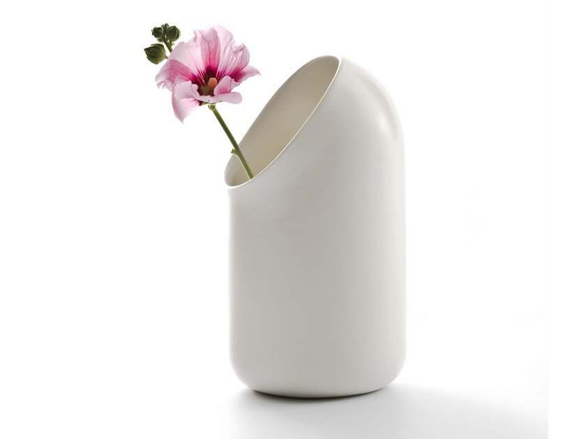Ceramic vase Ô | Vase by Moustache