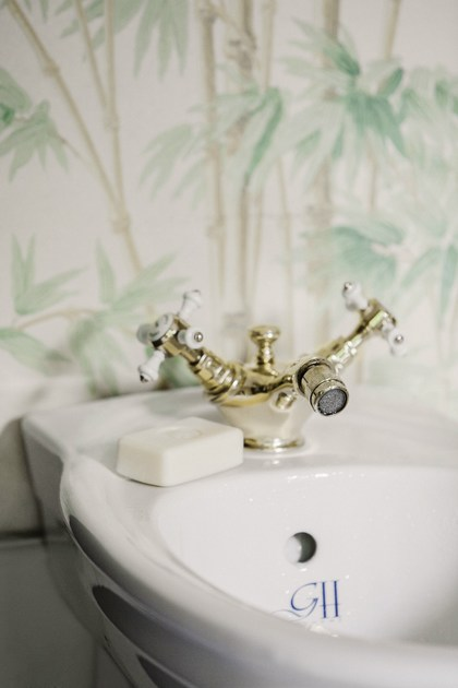 1 hole bidet tap with swivel spout CHELSEA | bidet one hole mixer by GENTRY HOME