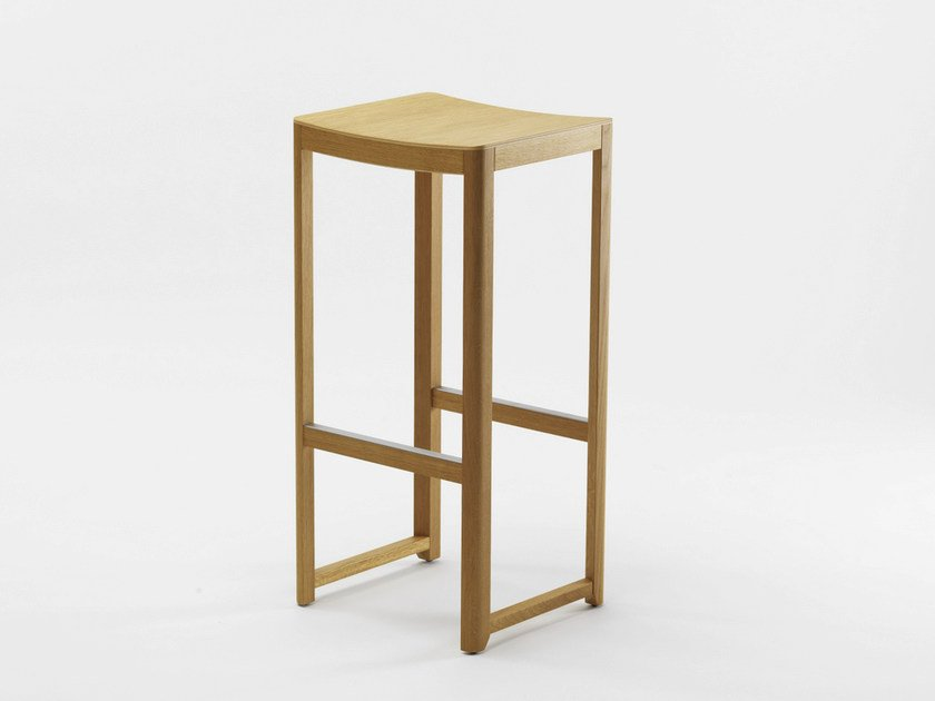 Wooden stool SELERI | High stool by Zilio A&C
