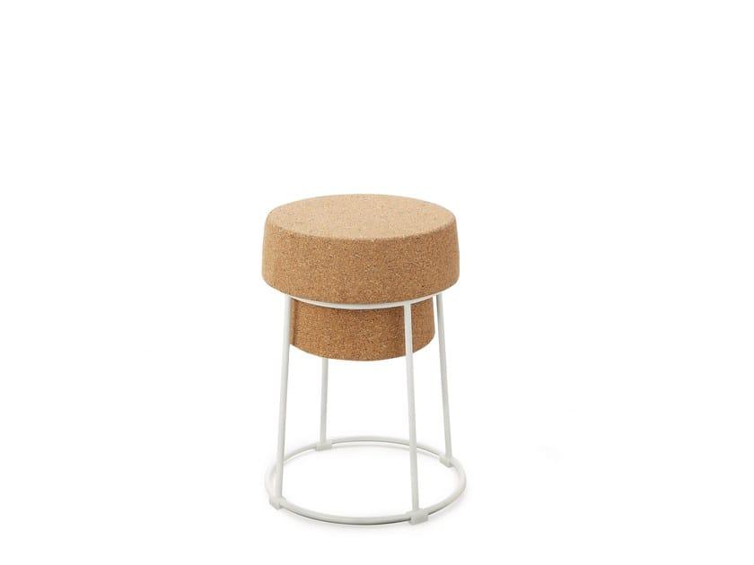 Low cork stool BOUCHON | Low stool by DOMITALIA