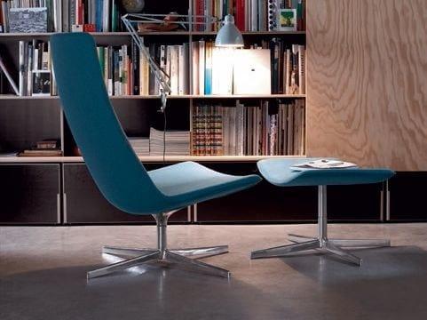 Footstool with 4-spoke base