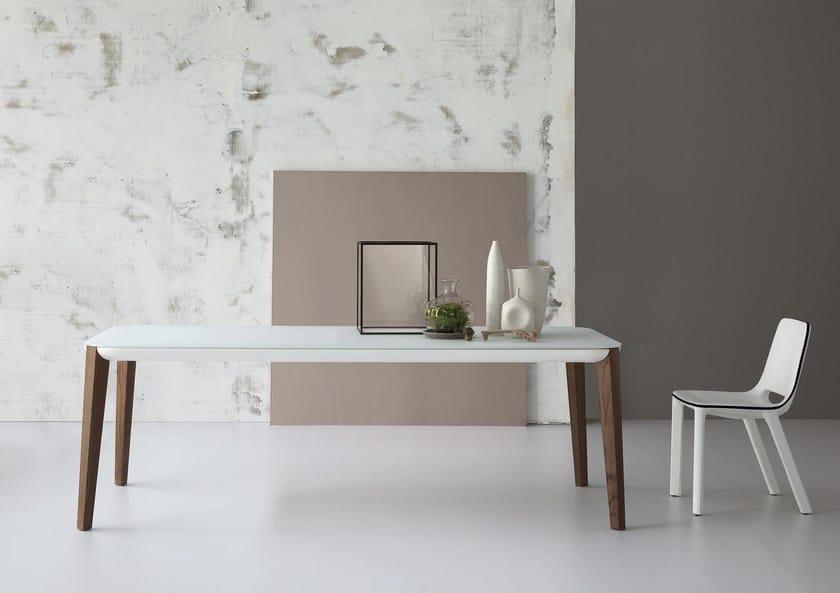 Extending rectangular table MATCH by Bonaldo