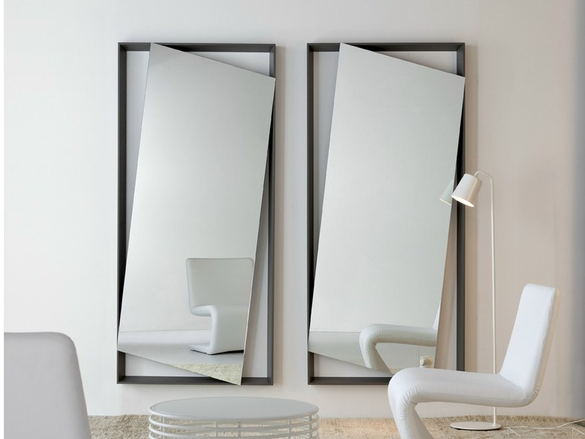 Wall-mounted mirror HANG UP by Bonaldo