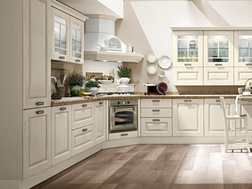 Cucina in legno con maniglie LAURA | Cucina in legno - Cucine Lube