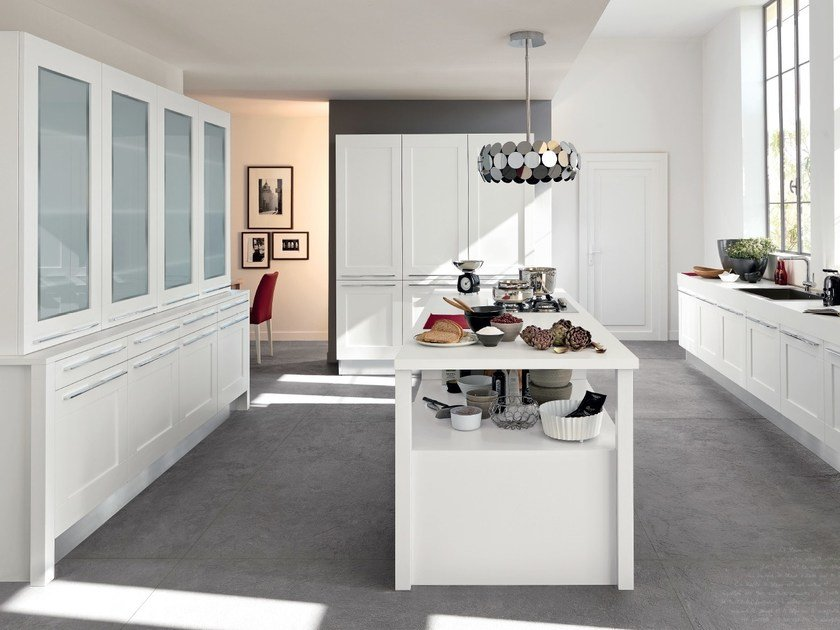 GALLERY | Kitchen with island By Cucine Lube design Studio Ferriani