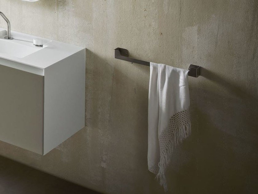 ERGO-NOMIC | Porta asciugamani in acciaio