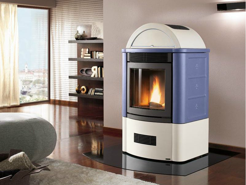 Pellet stove for air heating STUBOTTO 04 by Piazzetta