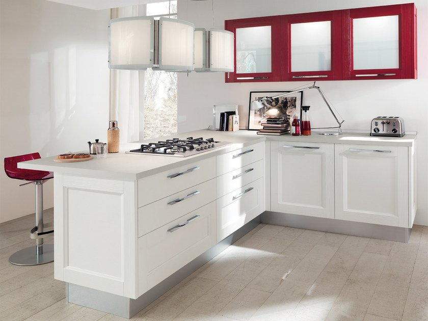 Solid wood fitted kitchen with handles GEORGIA | Solid wood kitchen by Cucine Lube