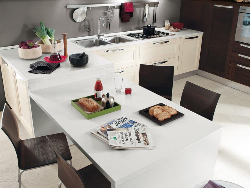 Cucina componibile in legno massello con maniglie GEORGIA | Cucina ...