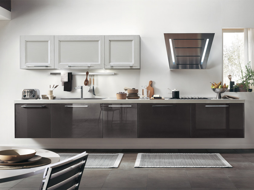 Solid wood kitchen with handles GEORGIA | Lacquered kitchen by Cucine Lube