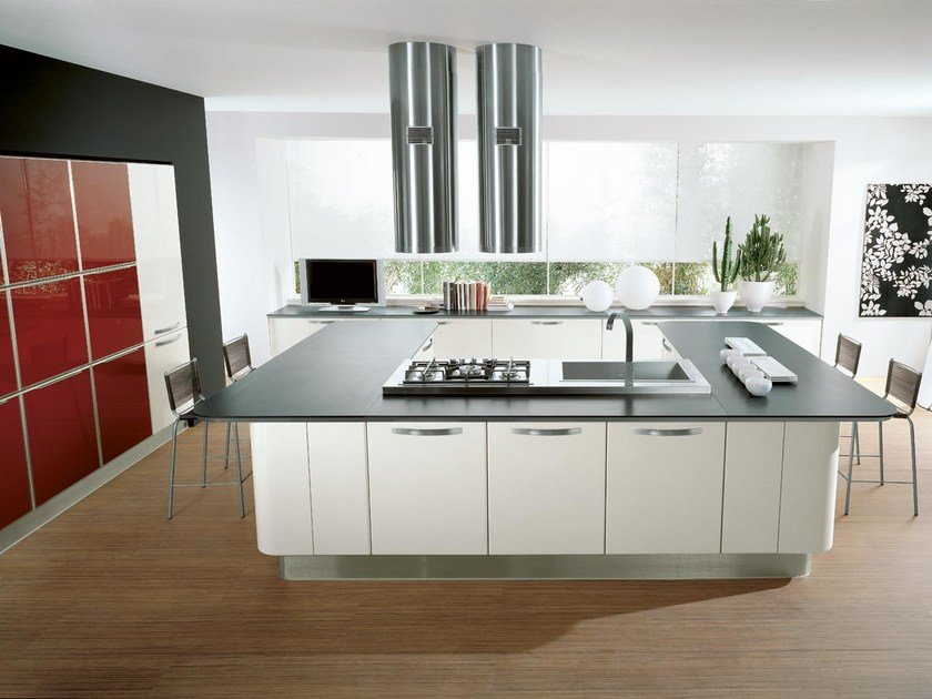 Fitted kitchen with island KATIA | Kitchen with island by Cucine Lube