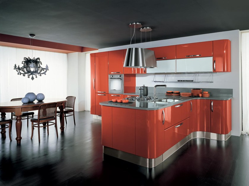 Ergonomic lacquered wooden fitted kitchen KATIA | Ergonomic kitchen by Cucine Lube