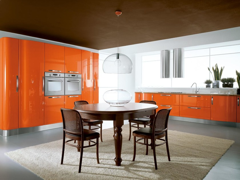 Ergonomic wooden kitchen KATIA | Lacquered kitchen by Cucine Lube